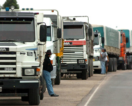 Gremio de camioneros no descarta movilizaciones